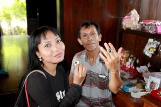 Buying Satam stone as souvenir